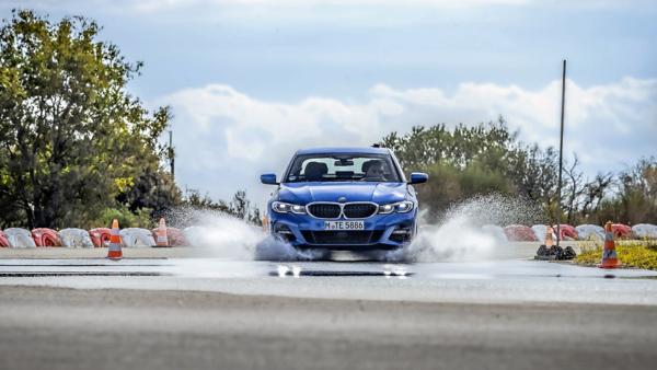 Auto Motor und Sport vergelijking UHP banden: zomerbandentest op nat wegdek