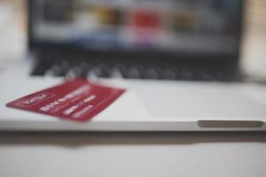Is het kopen van banden via internet de voordeligste oplossing?