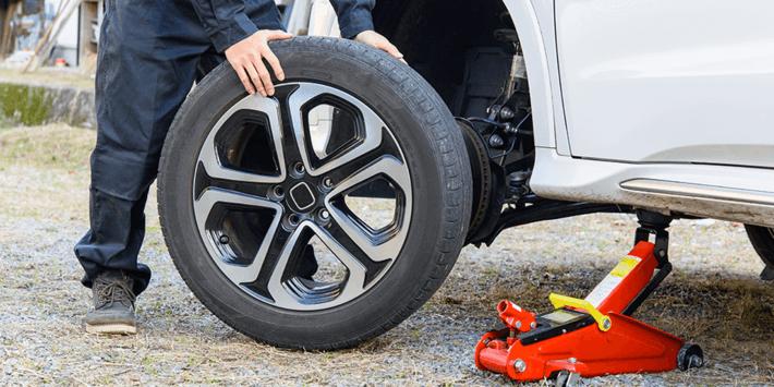 Zelf je banden vervangen; de band van de velg loshalen of het complete wiel vervangen, kies de voor jou geschikte oplossing