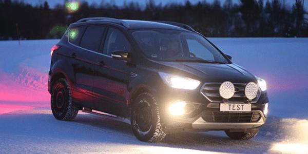 SUV winterbandentest: ADAC en TCS voeren een vergelijkende bandentest voor grip op sneeuw uit