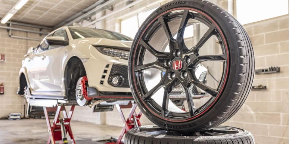 Montage test banden UHP Sport Auto Honda Civic Type R