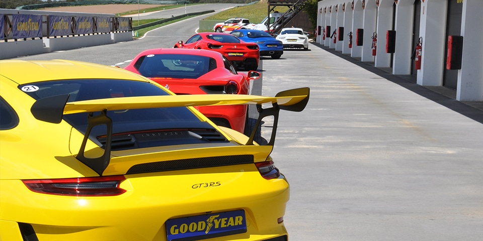Test Goodyear Porsche 911 GT3RS