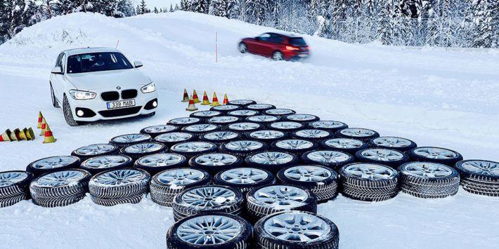Autobild heeft een vergelijkende test uitgevoerd met de beste winterbanden voor compacte en middelgrote auto's, sedans en space wagons, op sneeuw, droge en natte wegen