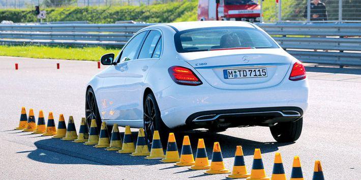 HET AUTOBLAD AUTOBILD TEST ACHT SPORTBANDEN VAN 20 INCH