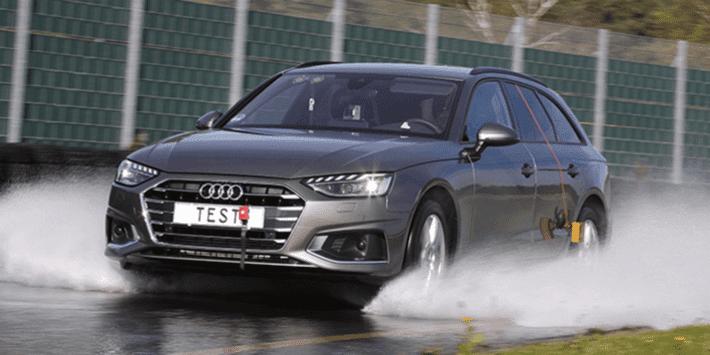 Zomerbandentest: vergelijkende test van de ADAC en de ANWB voor sedans en stationcars op nat wegdek